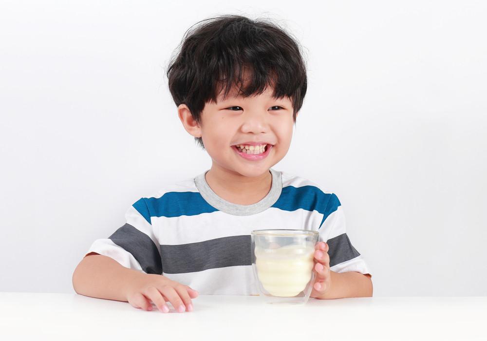 Panduan Lengkap Memilih Susu Formula Terbaik untuk si Kecil