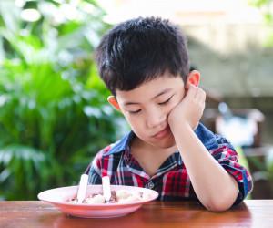 Ingin Cari Solusi Anak Susah Makan? Hindari Hal-Hal Berikut!