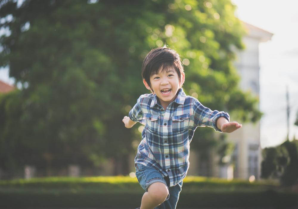 Ibu, Yuk Perhatikan Tahap Perkembangan Motorik & Kognitif Anak