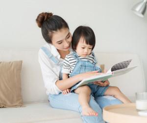 5 Manfaat Membaca Dongeng dalam Perkembangan Si Kecil