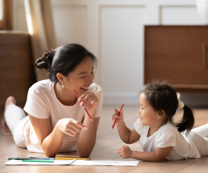 Floortime: Kegiatan Bermain Bersama Anak yang Penuh Manfaat