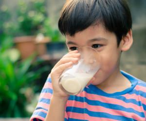 Agar Higienis, Ikuti Cara Membuat Susu Formula yang Benar Ini!